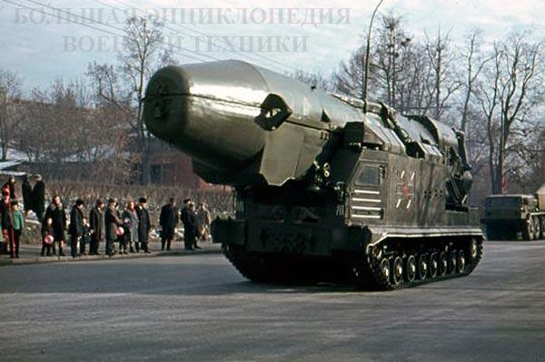 "СПУ ""объект 815"" комплекса с БРСД РТ-15 перед парадом в Москве, 07.11.1966 г."