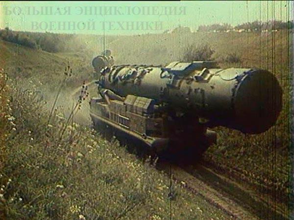Третий вариант СПУ комплекса - 15У59 с ТПК на марше